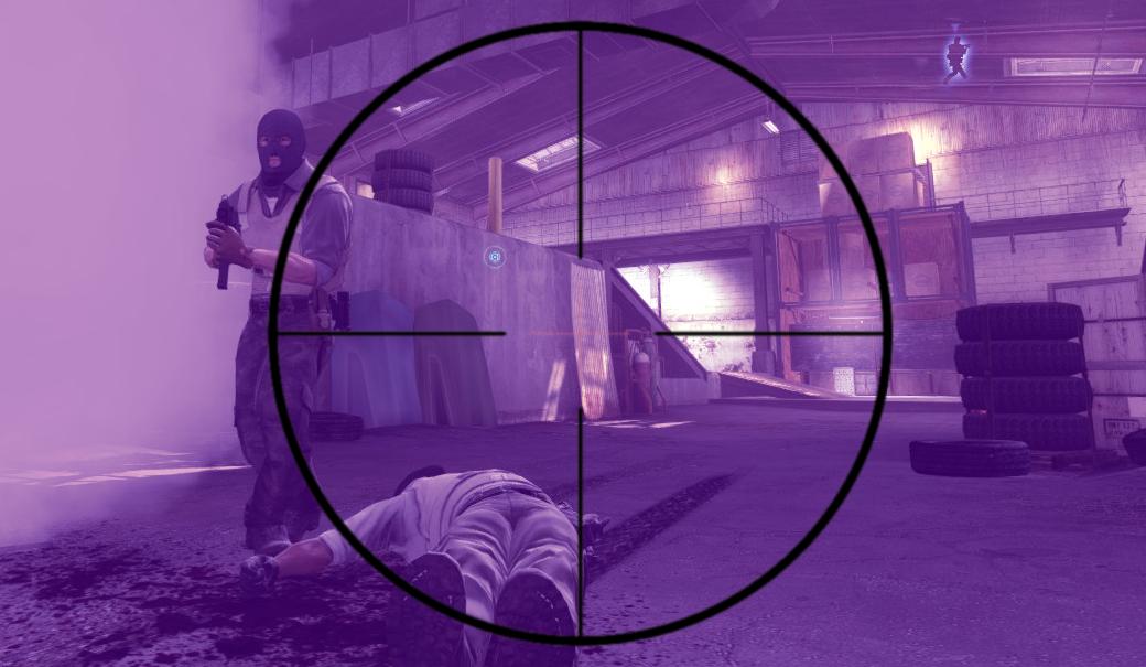 Screenshot aus dem Spiel Counter Strike: Global Offensive. Der Spieler visiert durch das Fadenkreuz einen Gegner an.