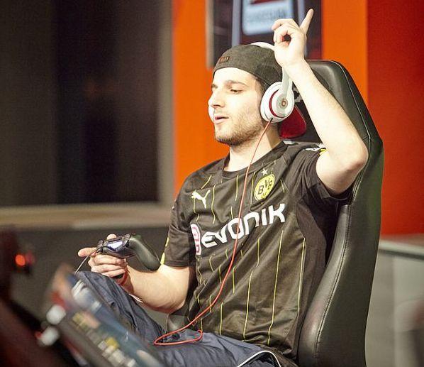 Nehmt via Xbox oder Playstation an der Qualifikation für die Playoffs teil. Quelle: virtuelle.bundesliga.de