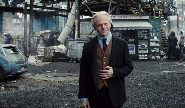 Simon Pegg ist ein persönlicher Liebling von mir. Seine Filme und die Anspielungen auf die Pop-Kultur bringen mich immer wieder zum lachen. Daher ist die Rolle, des Freundes von Halliday, perfekt mit ihm besetzt. - Quelle: cinemablend.com