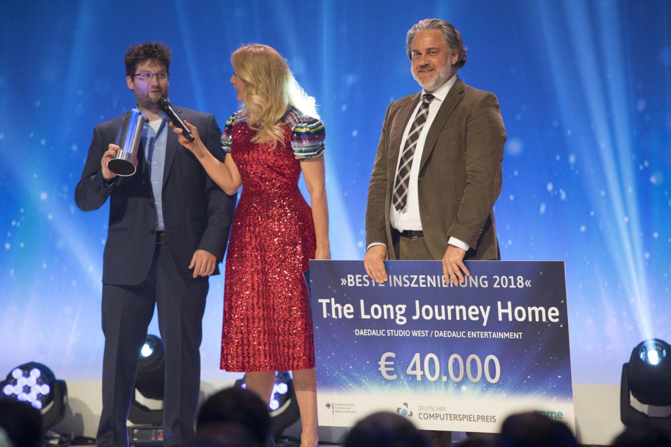 """Der Preis für die Beste Inszenierung ging an die Entwickler des Daedalic Entertainment Studio West für den Titel """"The long Journey Home"""""""